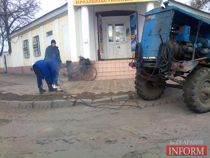 В Измаиле работникам водоканала не дают спокойно жить (Фото)