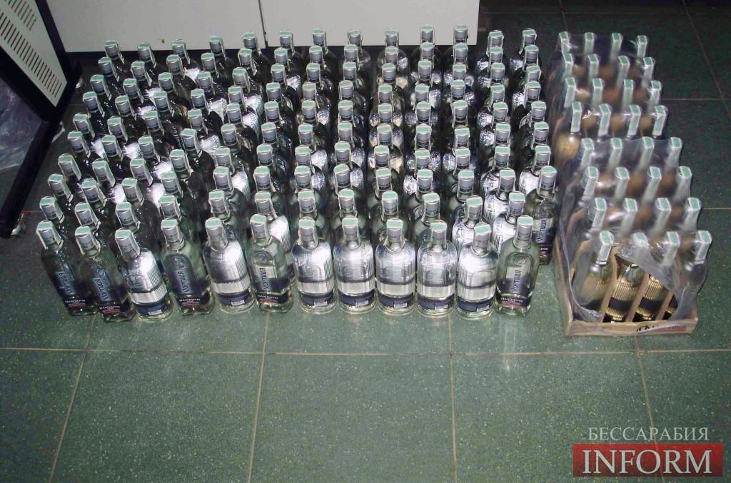Пограничники изъяили 160 бутылок водки