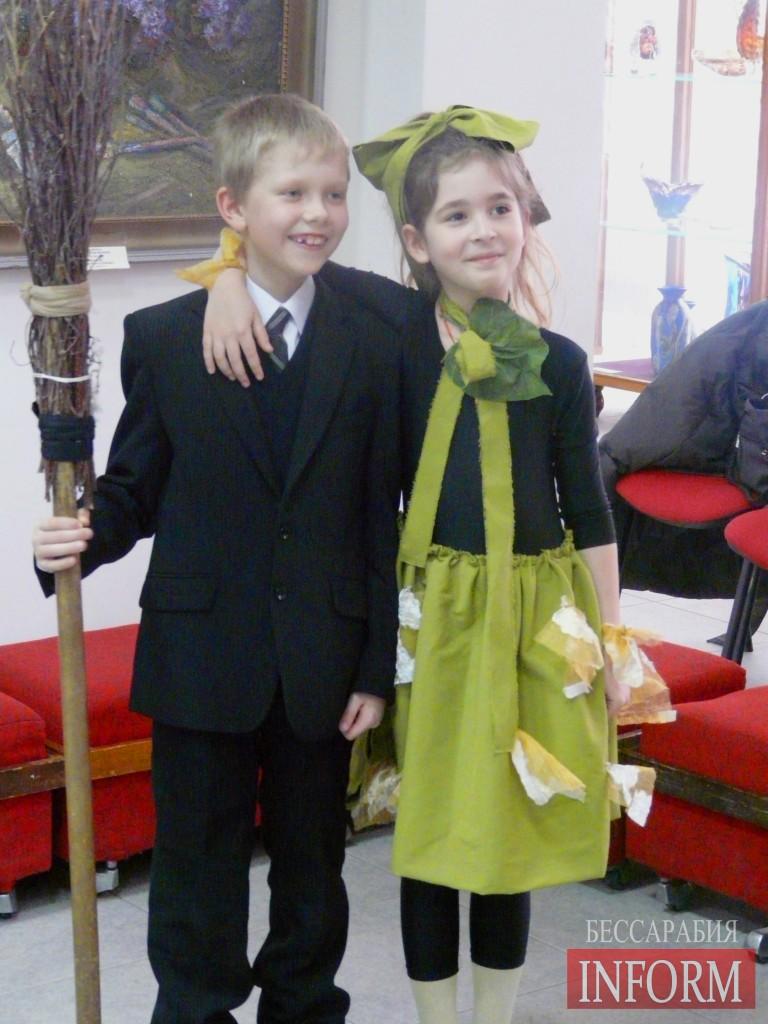 Измаил: школьники празднуют 8 марта