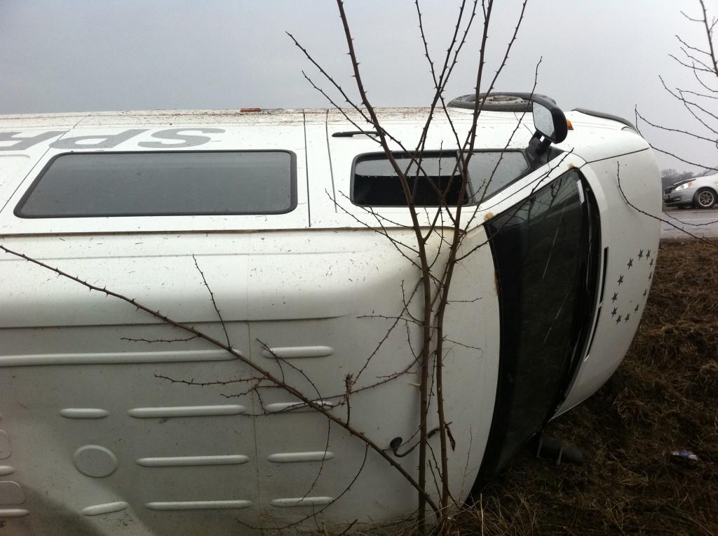 Трасса Рени - Одесса: мокрый асфальт и кусок шифера привели к ДТП. (фото)