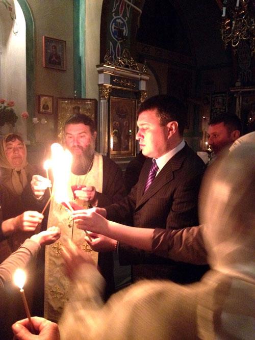 Игорь Плохой обеспечил доставку благодатного огня в церкви Бессарабии