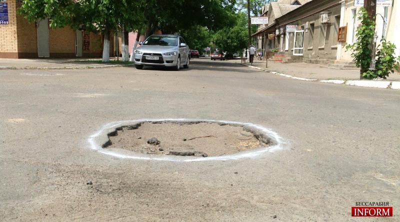 """Дорожный ужас Измаила: Возмущенные жители """"взялись"""" за дороги ночью!"""