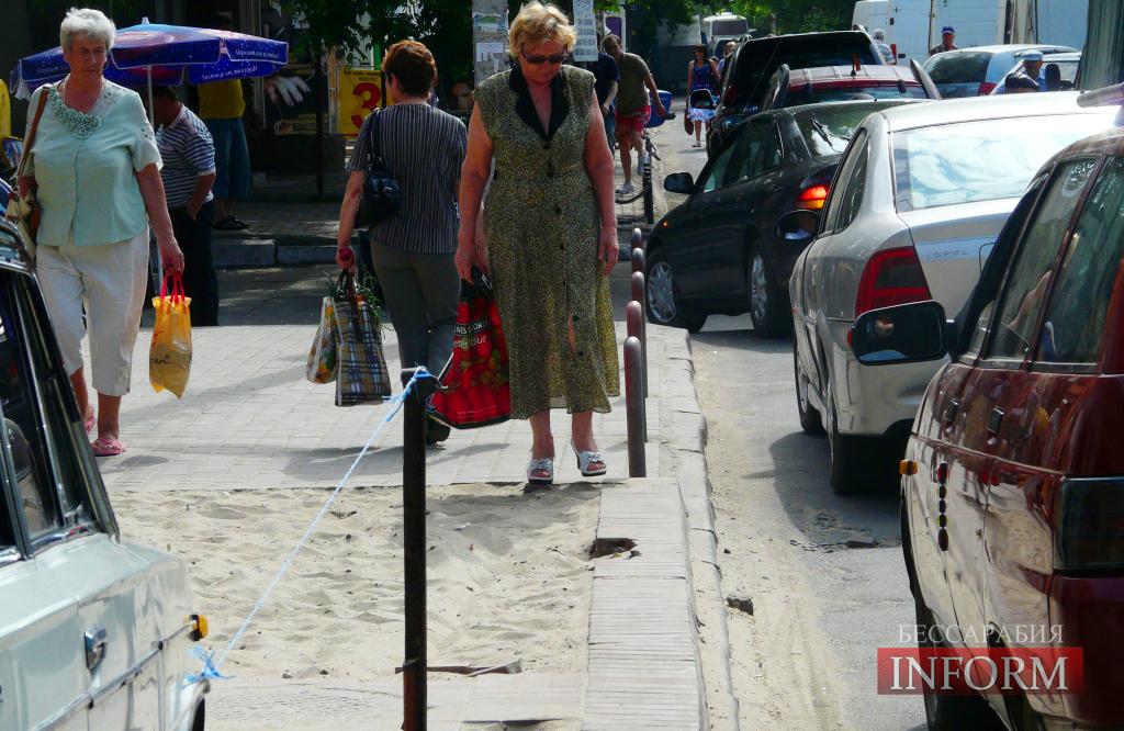 """""""Экстремальные"""" тротуары Измаила: экономим на людях? (ФОТО)"""