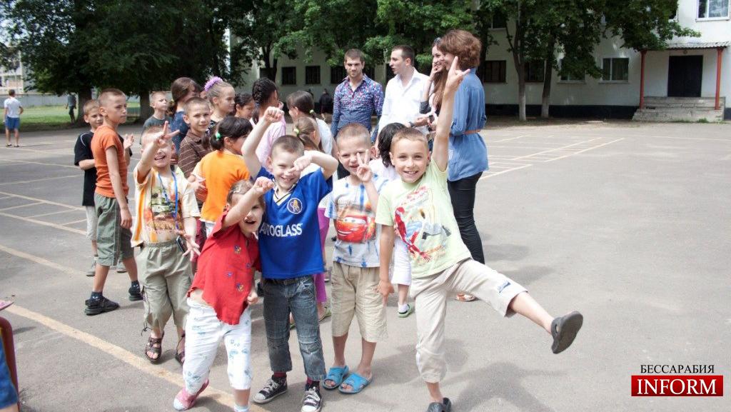 Измаил: молодежь заботится о детях