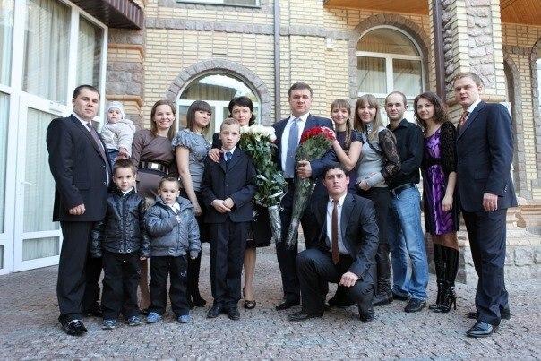 Власть продолжает давить на Дубового