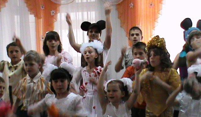 Белгород –днестровские милиционеры поздравили детей из приюта (ФОТО)