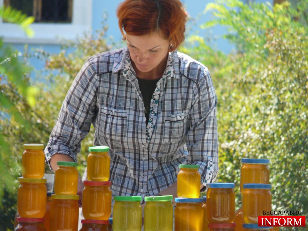 В Измаиле проходит медовая ярмарка. ФОТОрепортаж