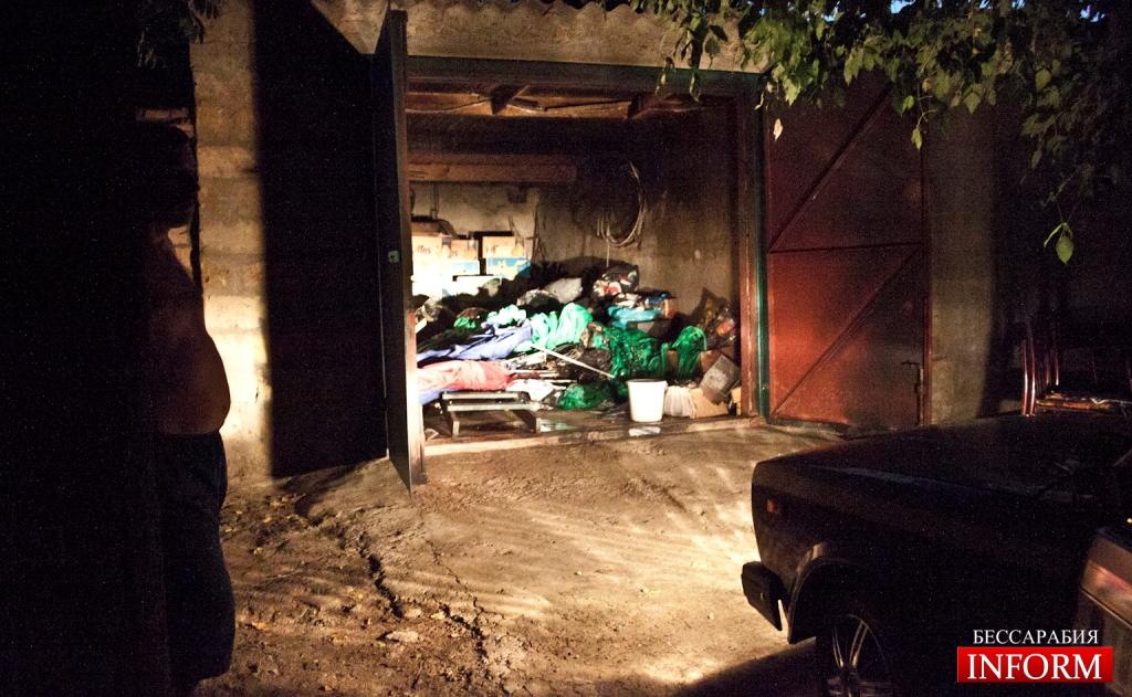 podjog garaja Бандитизм регионалов в Измаиле продолжается. Максиму Волкову подпалили гараж!