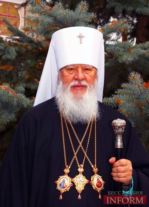 Митрополит Агафангел освятил в Болградском соборе накупольный крест.