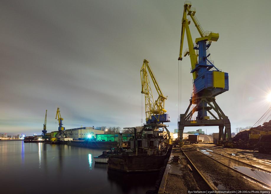 Ильичевский порт взял 30 млн. грн.кредита на покупку крана.