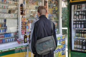 1346838425_pyvo_nepovnolitni-300x199 Украинцы тратят денег на алкоголь в 6 раз больше, чем на еду.