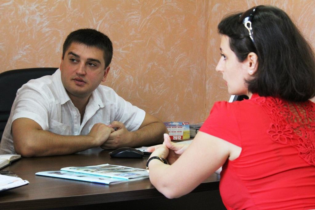 Болград: На приём к А. Борнякову люди приходят не только с жалобами.