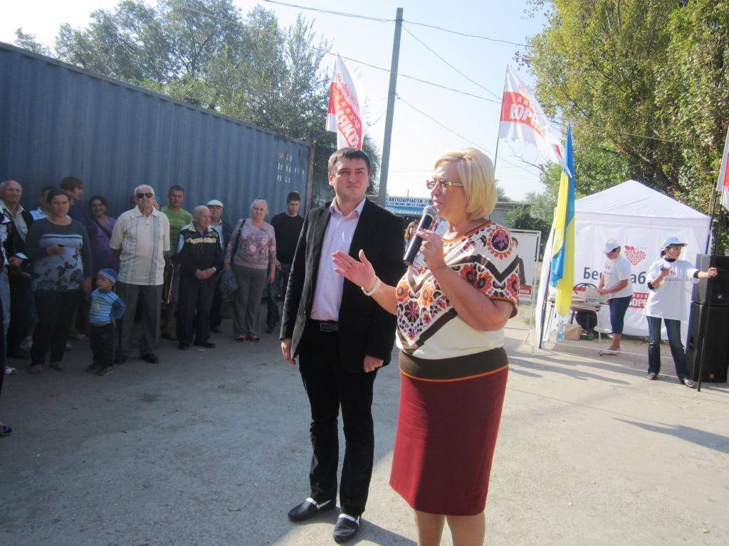 Арциз: А. Борняков и А. Кужель помешали местному олигарху наживаться на работниках рынка. ВИДЕО