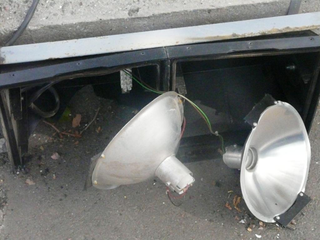 """Измаил. ДТП: Сегодня ночью """"Nissan"""" снёс светофор в центре города !"""