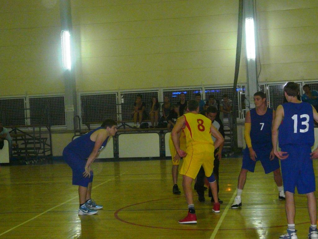 Измаил погрузился в баскетбольные поединки