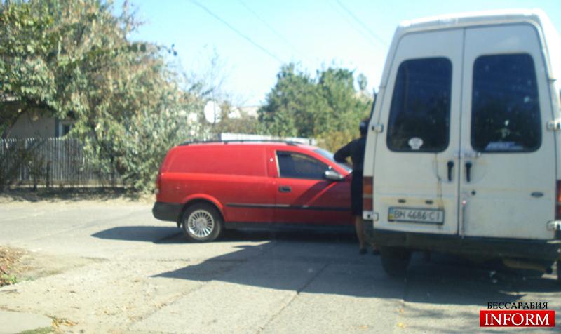 """ДТП в центре Килии: """"Opel"""" протаранил """"Ford"""" фото"""