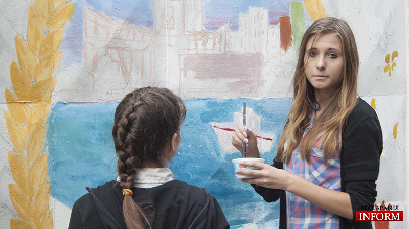 Ко Дню Города измаильские таланты разрисовали стены города