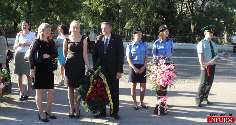 Измаил. Сегодня возложили цветы к памятнику Суворова А.В. (Фото, видео)