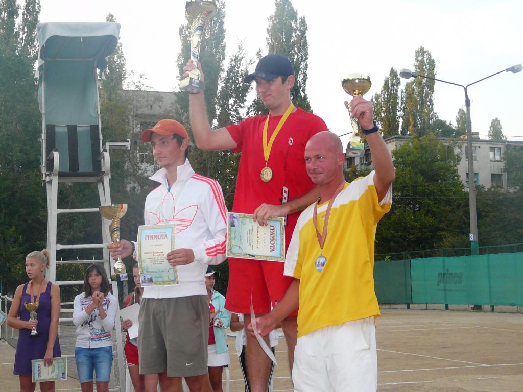 P1150943 В Измаиле определились лучшие теннисисты города. ФОТО