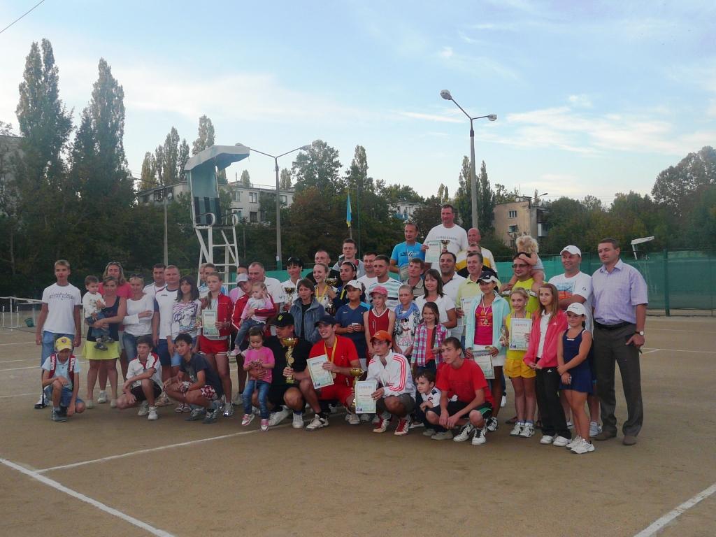 P1150946 В Измаиле определились лучшие теннисисты города. ФОТО