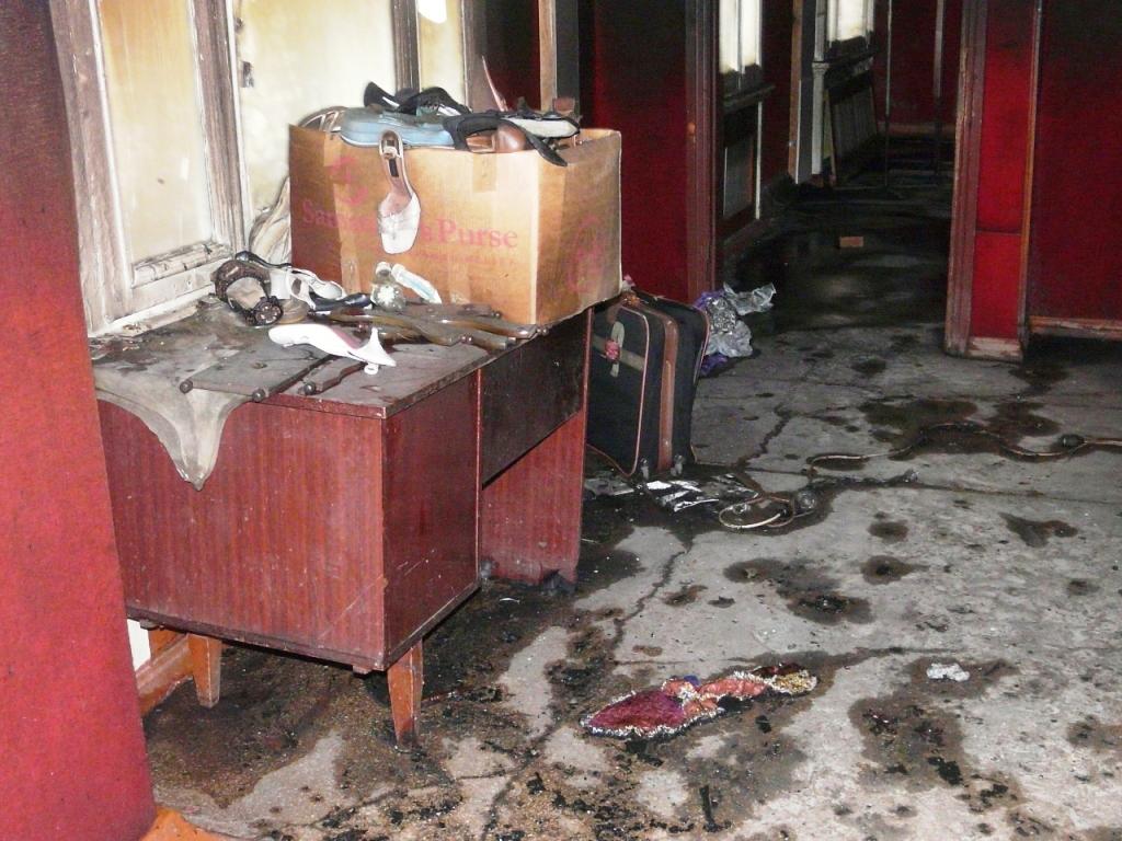 P1160193 В Измаиле ночью сгорел магазин. ФОТО