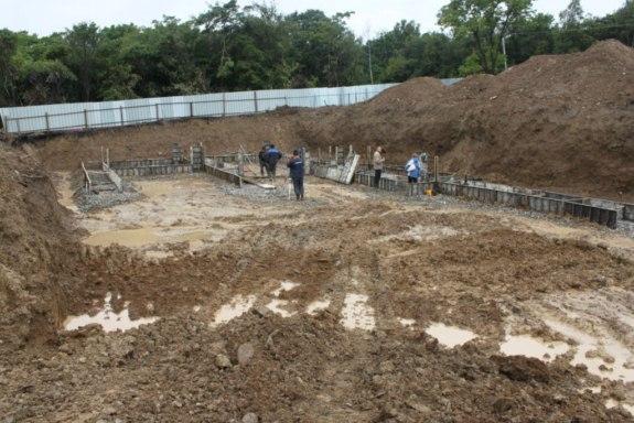 Саратский р-н. В селе Меняйловка строят новую школу