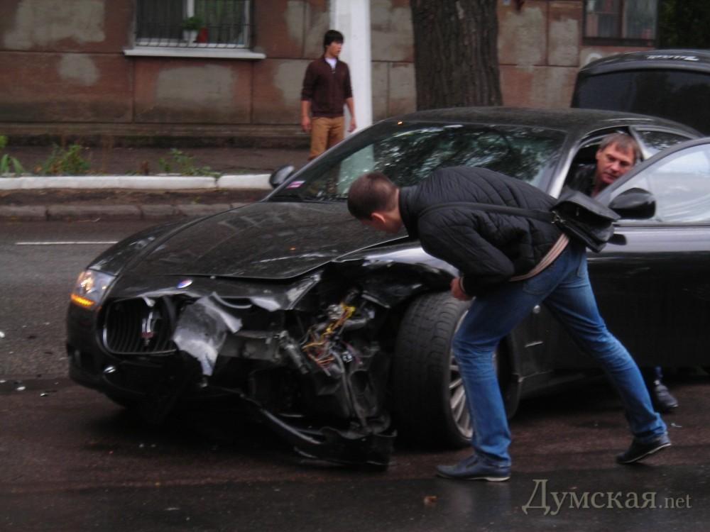 "bpicturepicture_2084401550447_91411 VIP ДТП в Одессе: ""Mercedes"" протаранил ""Mazeratti"""