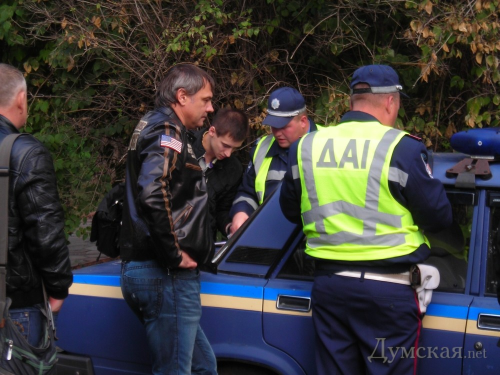 "bpicturepicture_261187950446_3622 VIP ДТП в Одессе: ""Mercedes"" протаранил ""Mazeratti"""
