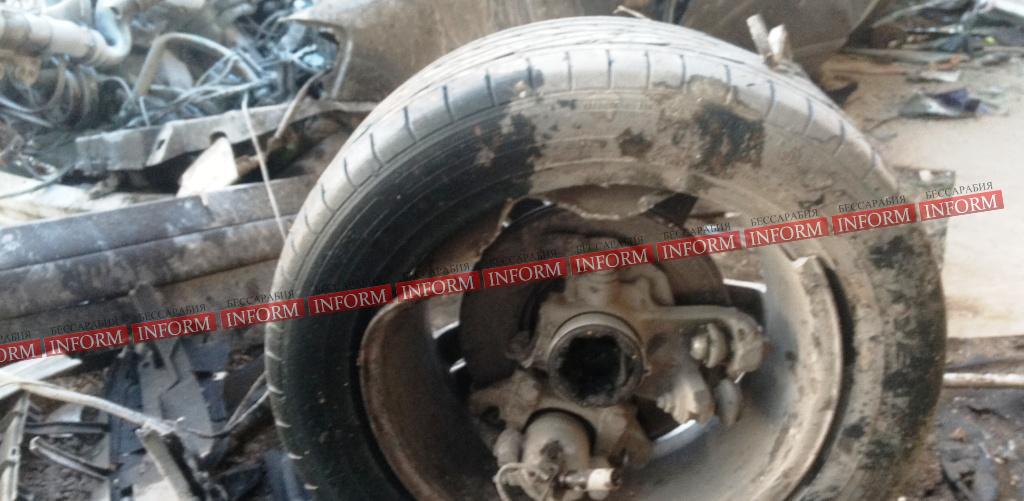 """dtp_v_tatarbynarah-6 Страшное ДТП в Татарбунарах:""""VW Passat"""" влетел в универсам. Есть жертвы! (фото, видео)"""
