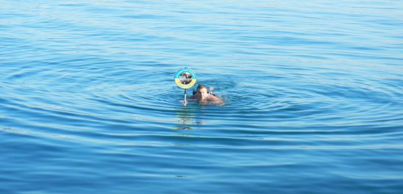 Моржи Придунавья открыли сезон зимнего купания в Крыму