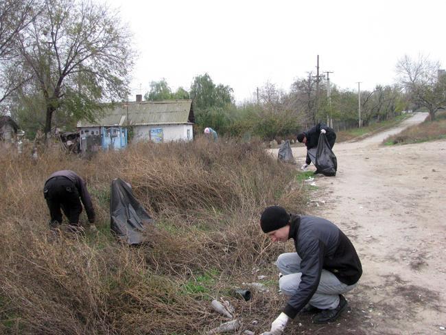 Белгород-Днестровский. Активисты провели субботник на лимане