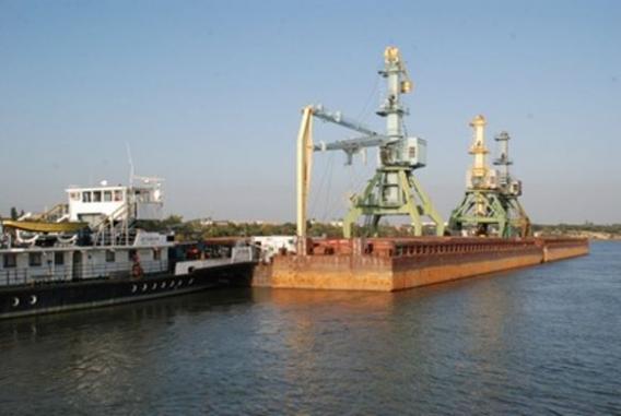 Ренийский порт расстался с тремя портальными кранами