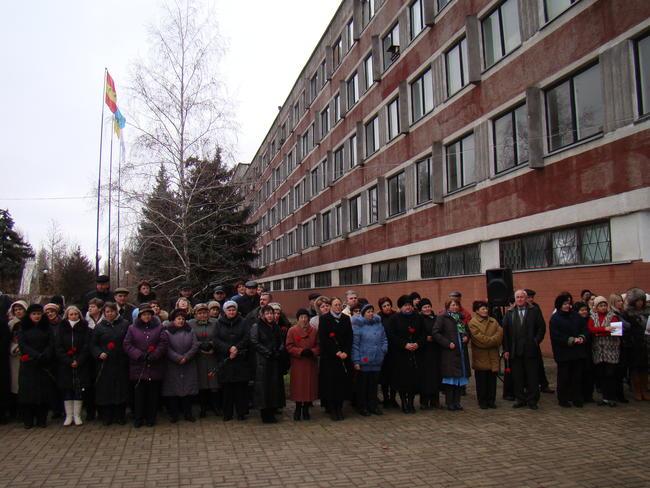 В Б.Днестровском установили мемориальную доску А.Г. Авксентьеву
