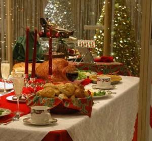 новогодний-стол-300x278 Как в Измаиле будут торговать в новогодние дни