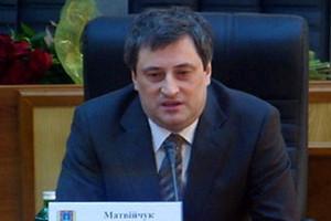 Под Матвийчуком всерьез зашаталось губернаторское кресло