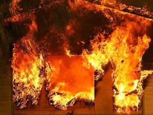 Саратский район: маштабное возгорание в  складском помещении