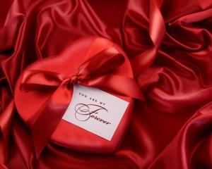 Топ-10 подарков ко Дню влюбленных  для мужчин (по версии БИ)