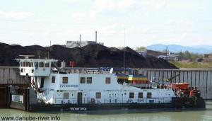 """Судно УДП """"Звенигород"""" задержали в Сербии за контрабанду топлива"""