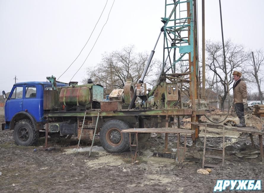 Болрадский р-н.: строительство артезианской скважины