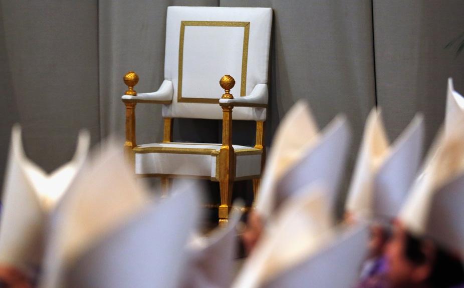 Фото дня: главное кресло Ватикана вакантно