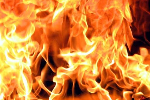 В Болграде горела крыша дома, успели спасти женщину