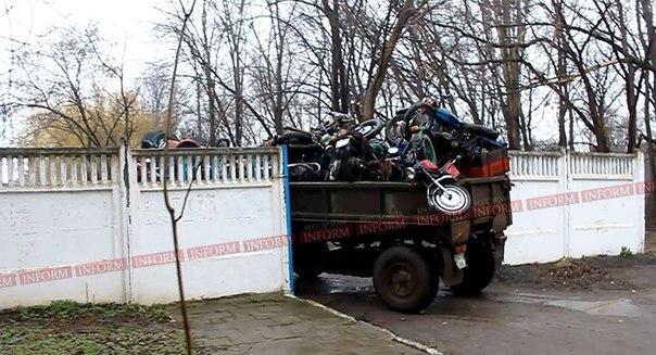 """Фото дня: """"улов"""" ГАИ - почти сотня мотоциклов"""