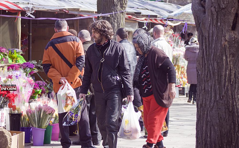 Измаил: 8 марта на цветочном - всегда праздник! (фоторепортаж)