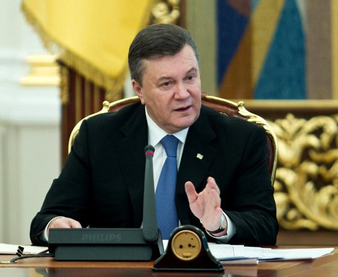 Янукович обратился к женщинам по случаю праздника 8 марта