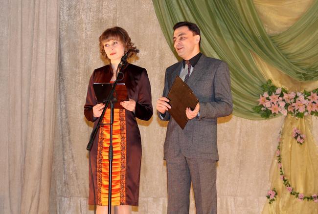 Белгород-Днестровский поздравляет женщин