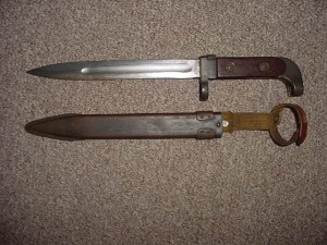 Болград: в центре города мужчина угрожал ножом