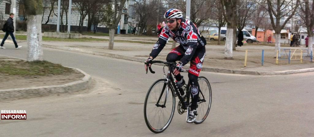Фото дня: велогонщик на улицах Измаила