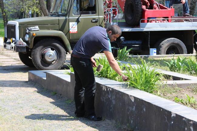 Белгород-Днестровский продолжает озеленяться (фото)