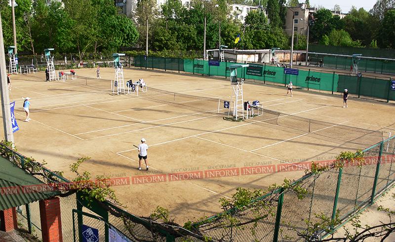 Измаил: Теннисные корты «Юность» готовы принять спортсменов.
