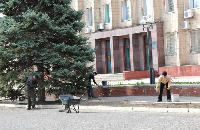 Б.-Днестровский: все на уборку (фото)